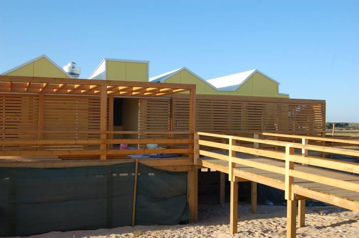 Mediterrane Gastronomie von EC-BOIS Mediterran Holzwerkstoff Transparent
