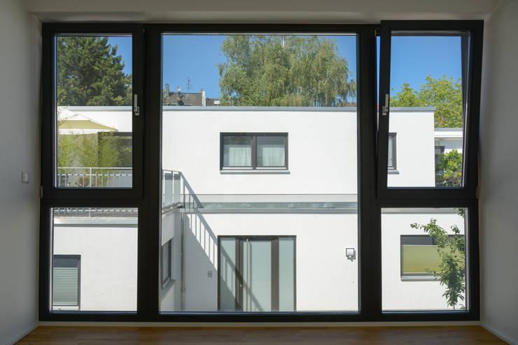 木頭窗 by Grotegut Architekten