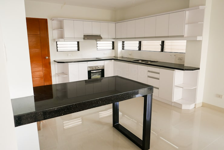 Black Galaxy Granite Kitchen Countertop at Cebu Royal Estates:  Kitchen by Stone Depot