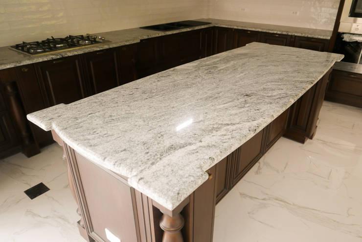 Viscon White Granite Kitchen Countertop in Guadalupe, Cebu City:  Kitchen by Stone Depot