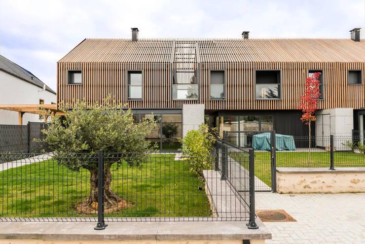 Multi-Family house by EC-BOIS