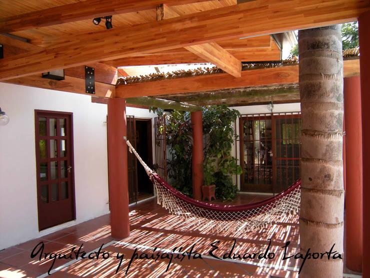 Villa California: Jardines zen de estilo  por Laporta,