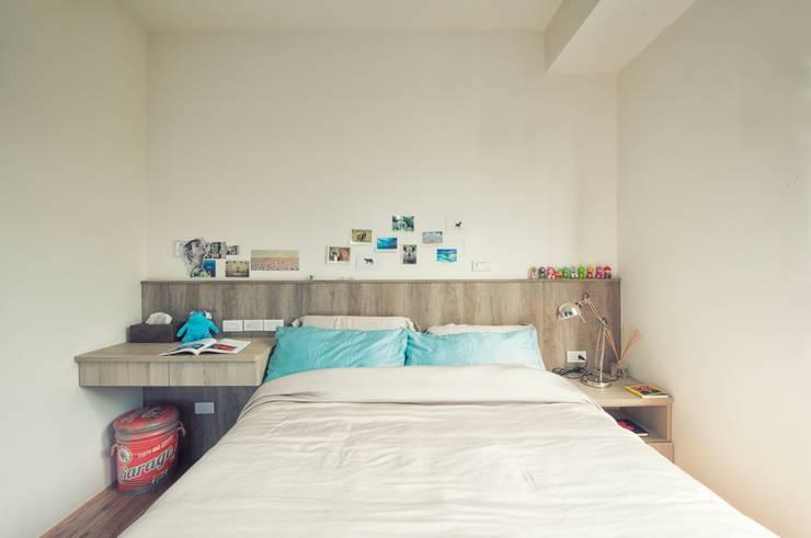 玩顏色:  臥室 by 澄月室內設計