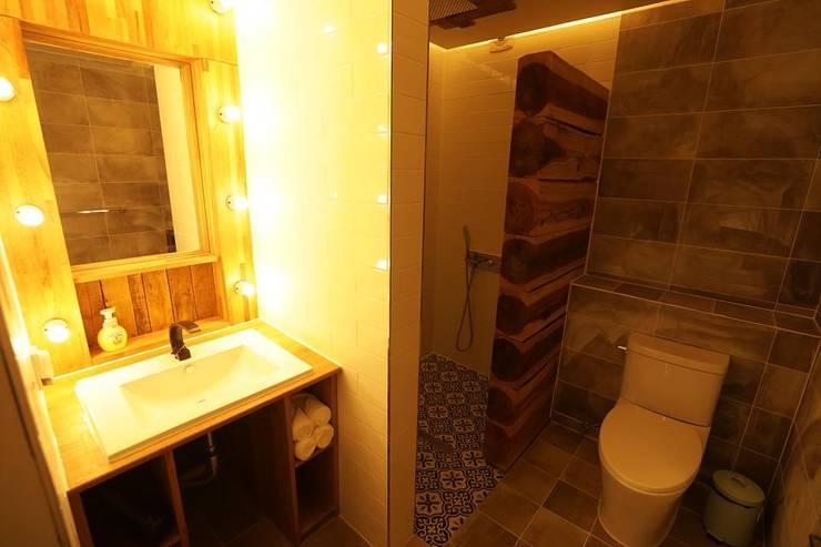 화장실(1~4번방 모두 같음): 쉬폰의  욕실