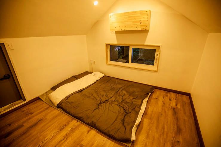1번방 복층: 쉬폰의  방
