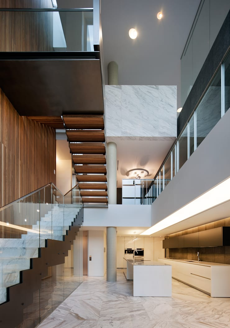Stairs by L'eau Design, Modern