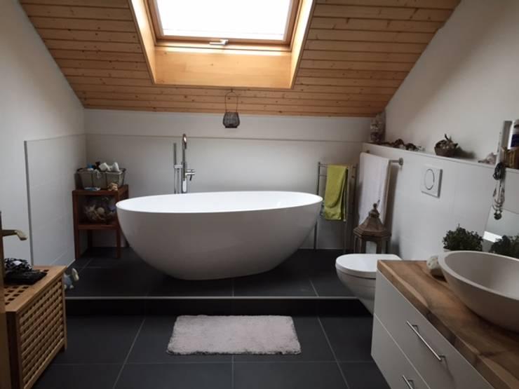 Phòng tắm theo Maxxwell AG, Hiện đại Gỗ Wood effect