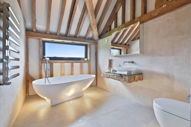 Bathroom by BathroomsByDesign Retail Ltd