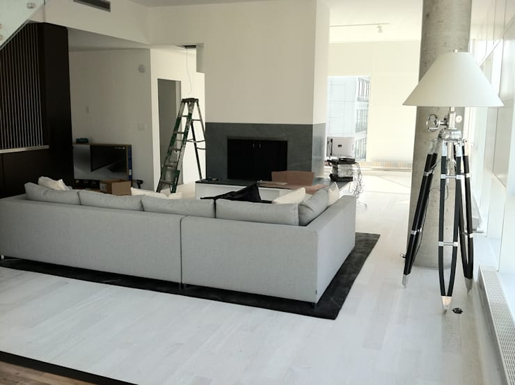 modern Living room by Shine Star Flooring