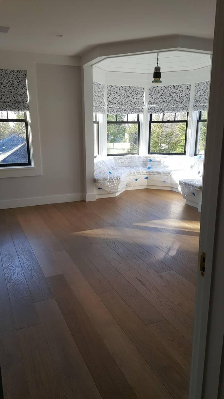 Media room by Shine Star Flooring