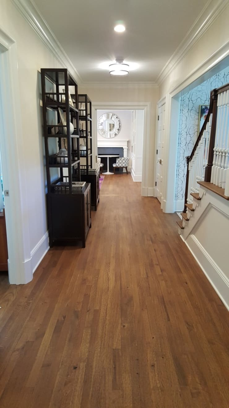 Corridor & hallway by Shine Star Flooring