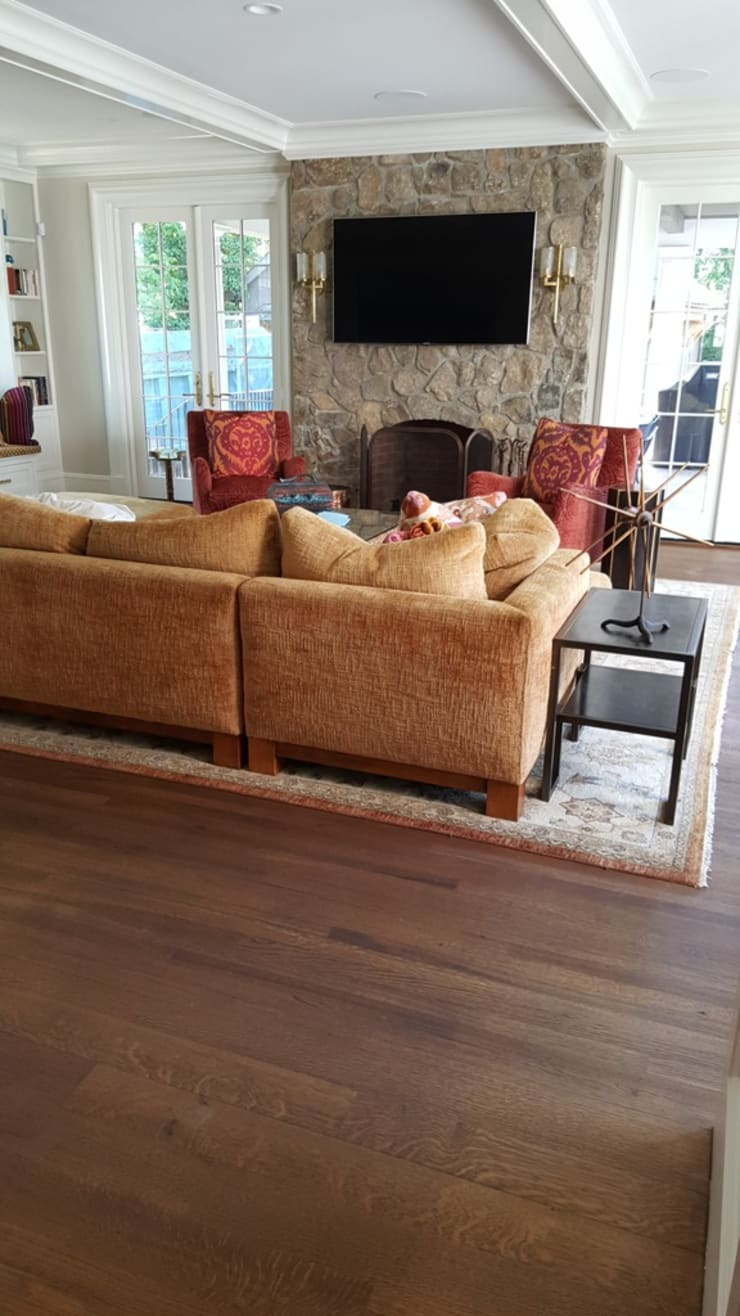 Living room by Shine Star Flooring