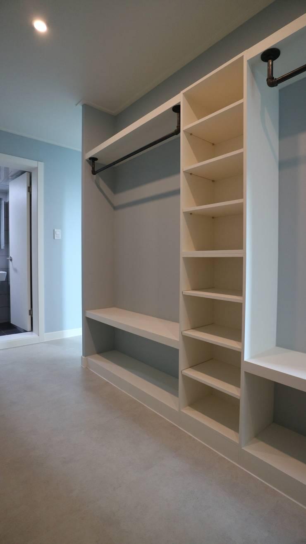 원미동 두산아파트 32평: interior  이유의  ,