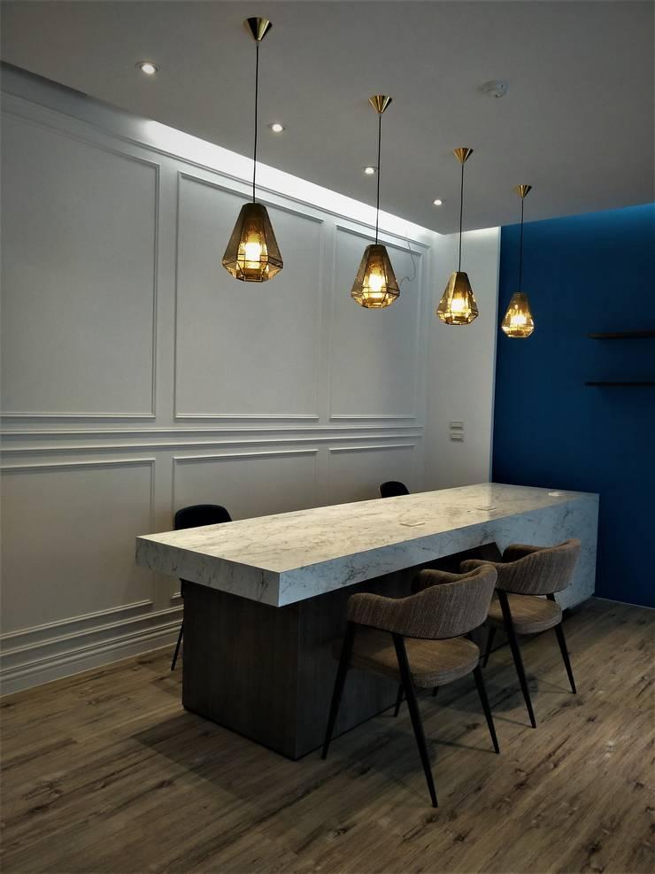 典籍-藍澗:  商業空間 by 喬克諾空間設計
