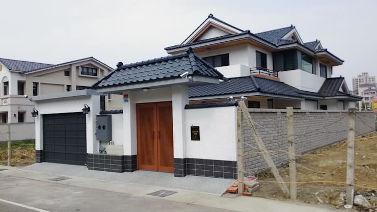經典日式二層樓住宅別墅:   by 北澤川有限公司