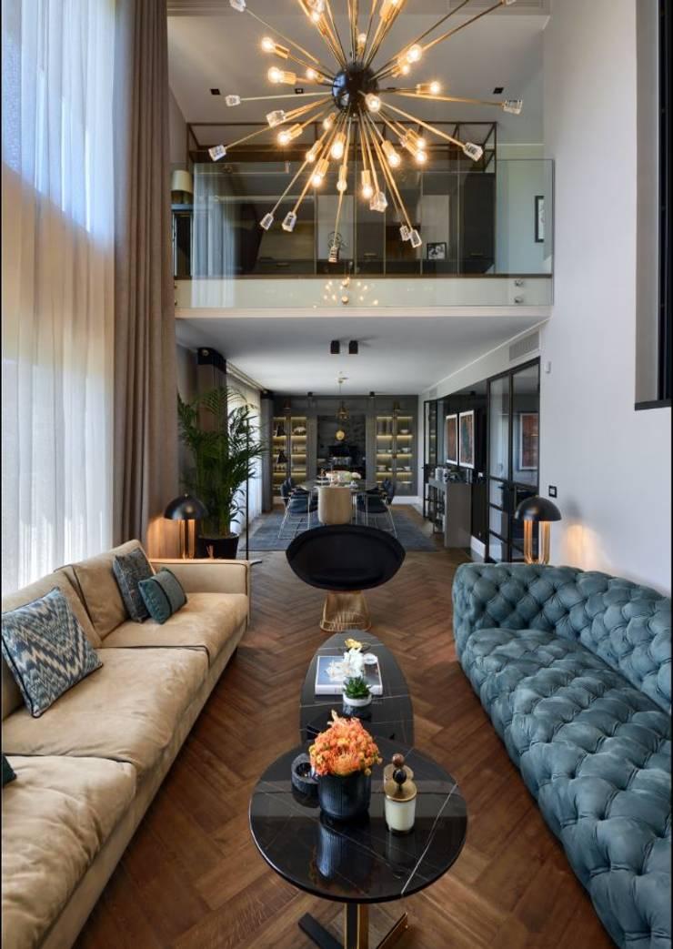 ABA HOUSE:  Living room by Esra Kazmirci Mimarlik