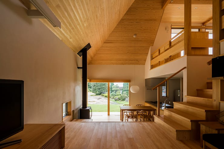 Living room by 中山大輔建築設計事務所/Nakayama Architects,