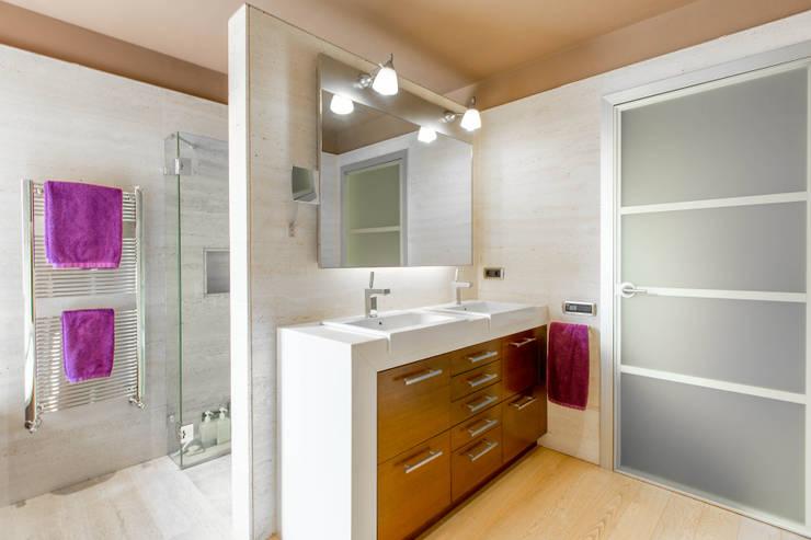 modern Bathroom by Decara