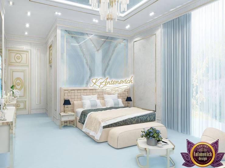 Amazing interior design by Katrina Antonovich:  Bedroom by Luxury Antonovich Design, Modern