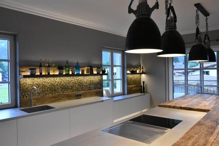 Luxus & Funktionalität: die moderne Küche von Pomp & Friends ...