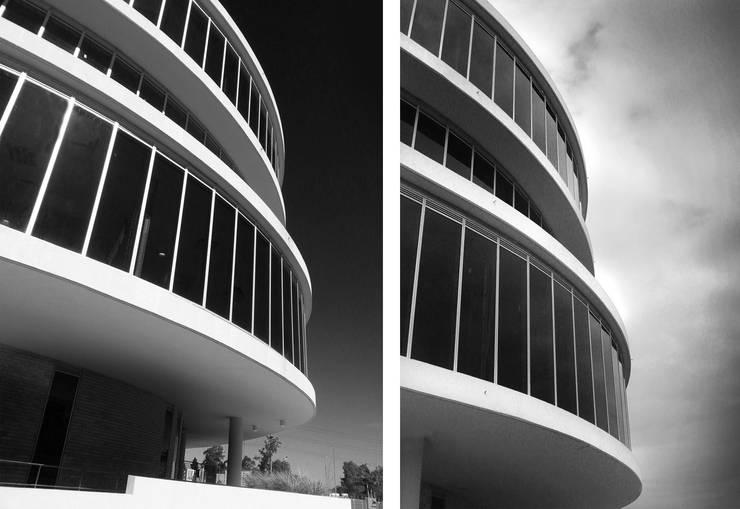 Edificio Tango LEED Gold: Edificios de Oficinas de estilo  por Sevita +studio
