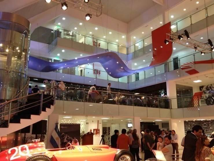 Museo del Automovilismo: Museos de estilo  por Sevita +studio