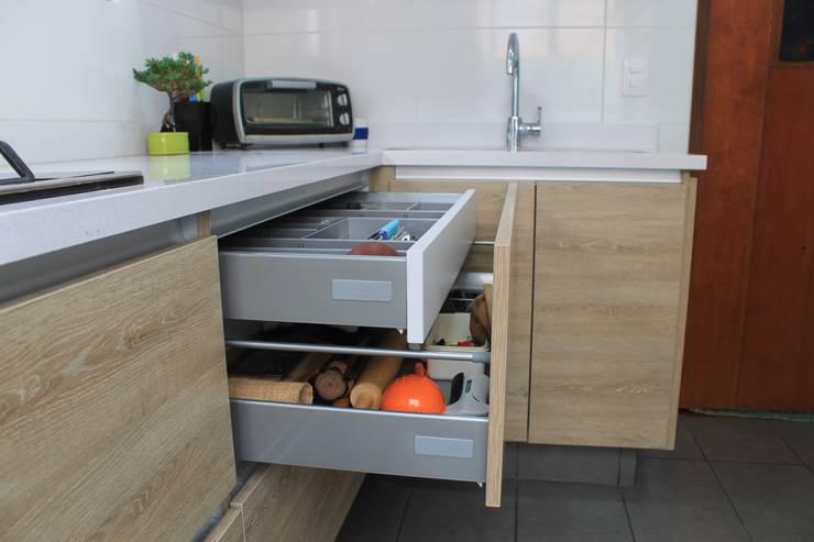 : Cocinas de estilo  por Tagez Design