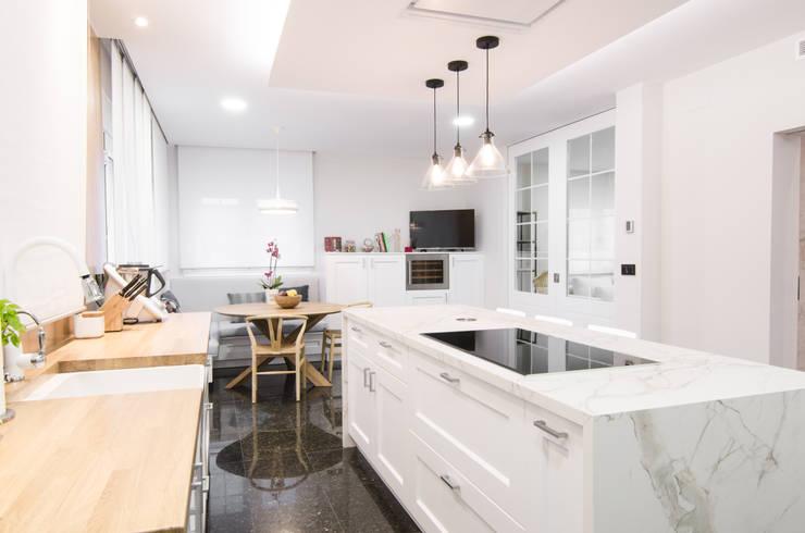 modern Kitchen by CARMAN INTERIORISMO