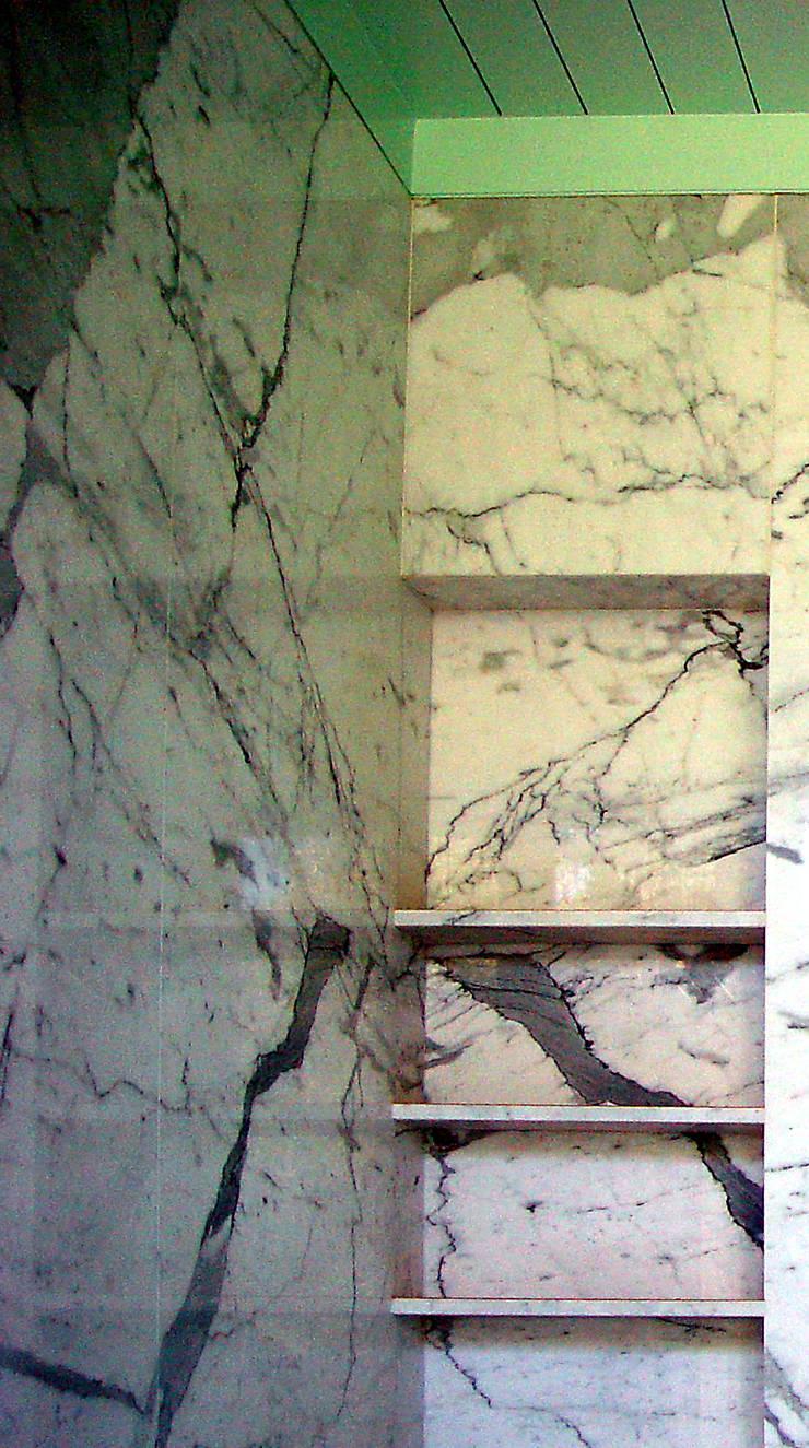 country Bathroom by José Melo Ferreira, Arquitecto
