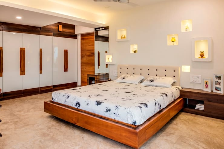 Narang Apartment : Mr. Abhilash Baldota:  Bedroom by Creative Geometry
