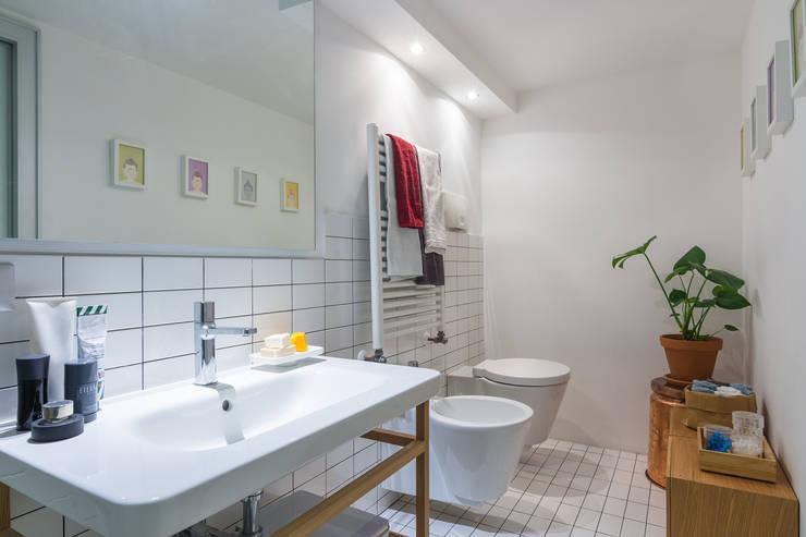 Illuminare il bagno: 32 idee e soluzioni
