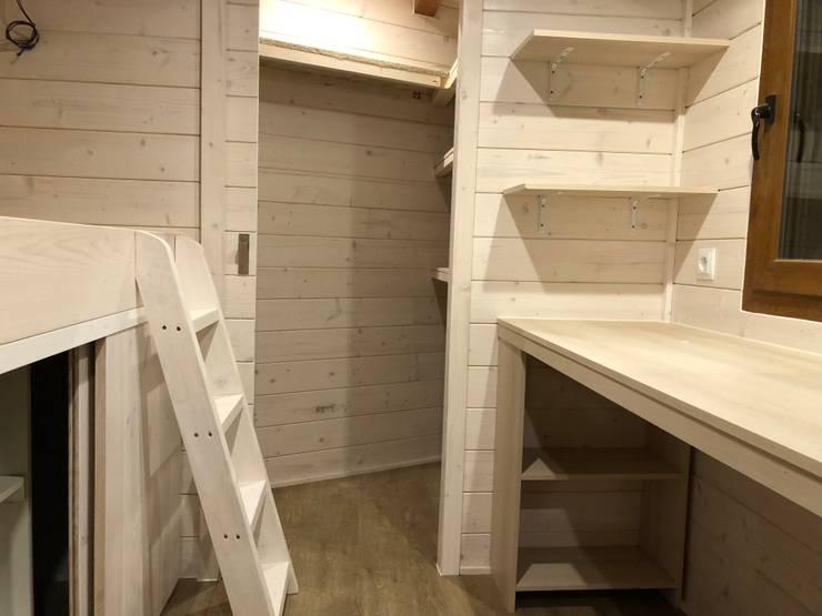 Caseta de madera habitable Barcelona : Dormitorios infantiles de estilo  de Grupo Dancu 2017 S.L