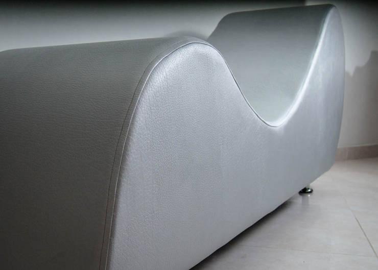 mueble tantra 2:  de estilo  por Proyectos Kukenán SAS, Moderno
