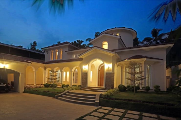 The House of Arches:  Houses by S Squared Architects Pvt Ltd.