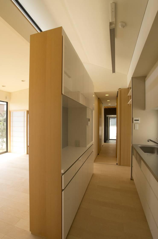 ห้องครัว โดย (有)中尾英己建築設計事務所, โมเดิร์น