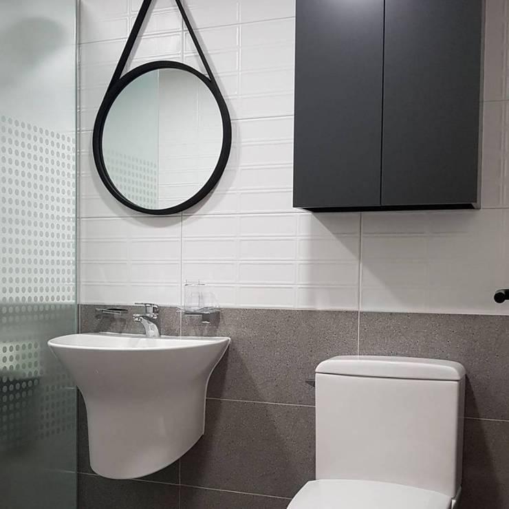욕실: DECORIAN의  욕실