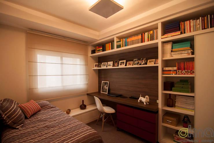 PROJETOS DE INTERIORES RESIDENCIAIS Quartos modernos por okna arquitetura Moderno Madeira Efeito de madeira