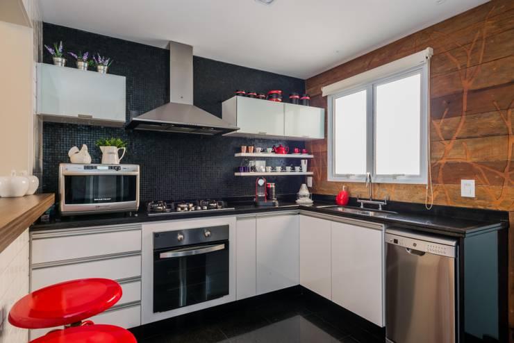 系統廚具 by okna arquitetura