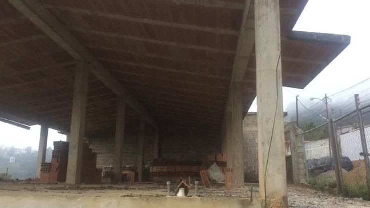 Situacion Inicial de la vivienda. construccion previa a la contratación de los servicios arquitectónicos: Casas de estilo  por Proyectos Kukenán SAS