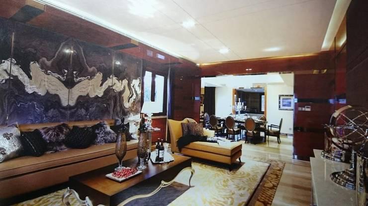 Interiors:  Bedroom by shritee ashish & associates