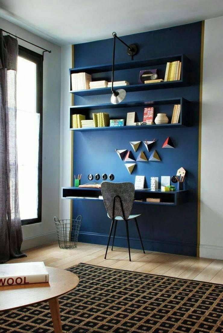 Interiors:  Study/office by shritee ashish & associates