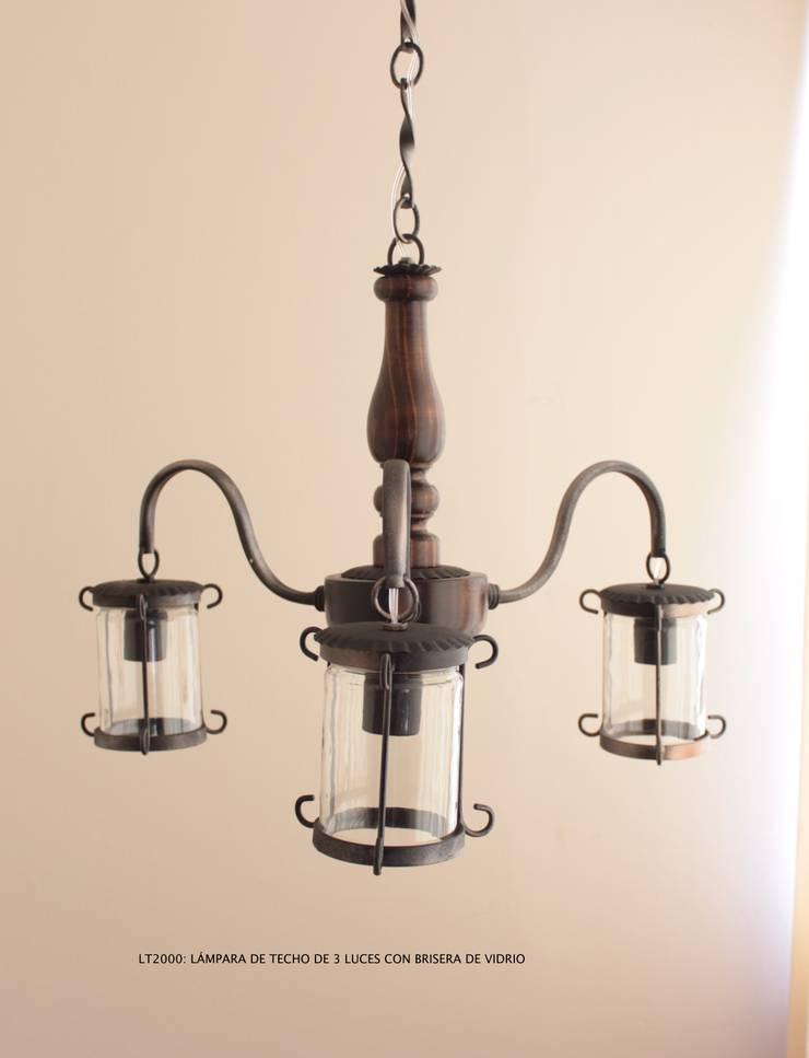 Lampara de techo de 3 luces LT2000: Hogar de estilo  por Hierro Arte Iluminación EIRL