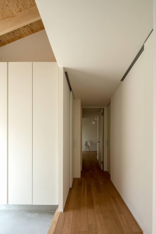 Koridor dan lorong oleh アトリエセッテン一級建築士事務所, Modern