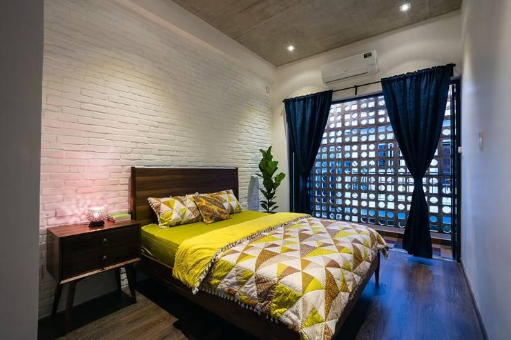 Thiết Kế Nhà 3 Tầng 5x8m Thoáng Mát Với Chi Phí 900 Triệu Ở Gò Vấp:  Phòng ngủ by Công ty TNHH Xây Dựng TM – DV Song Phát