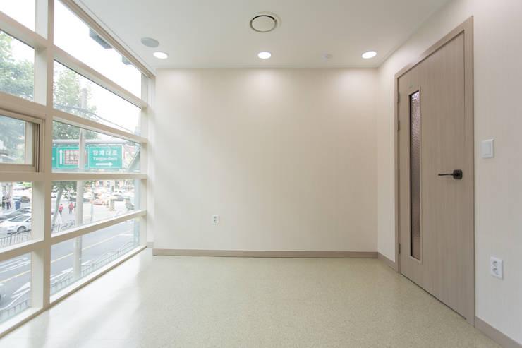 처치실: DECORIAN의  병원,모던
