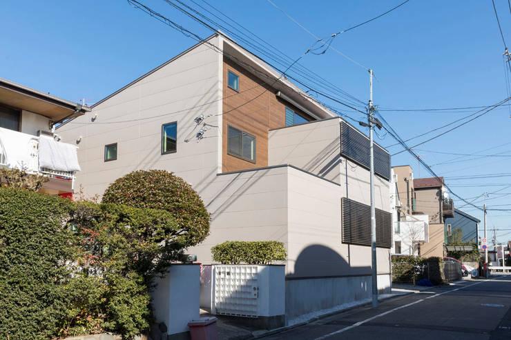 房子 by 秦野浩司建築設計事務所