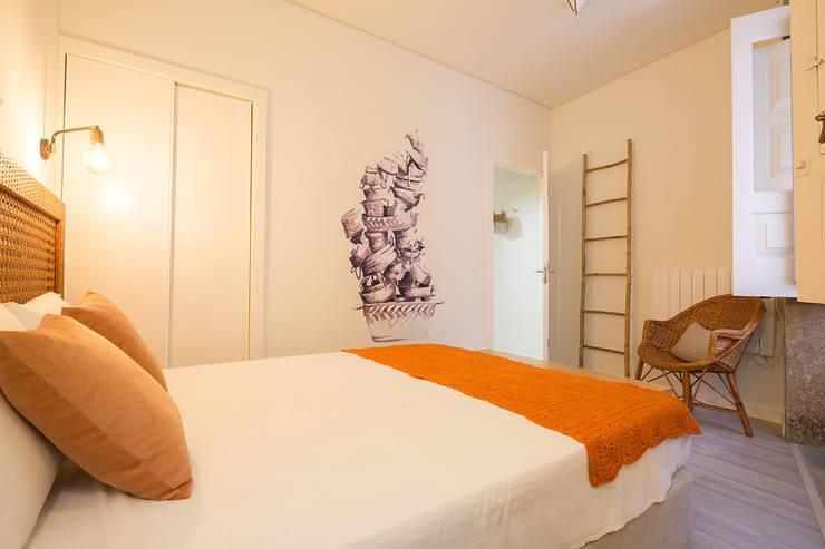 Bedroom by SHI Studio, Sheila Moura Azevedo Interior Design