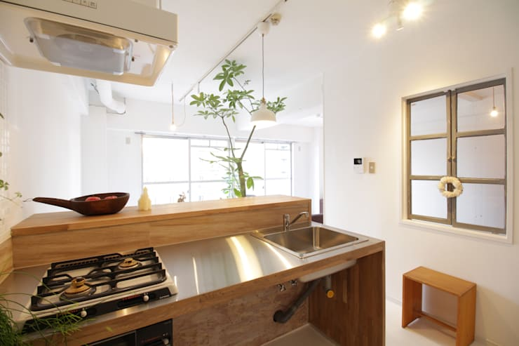 Kitchen by Mimasis Design/ミメイシス デザイン, Modern Iron/Steel