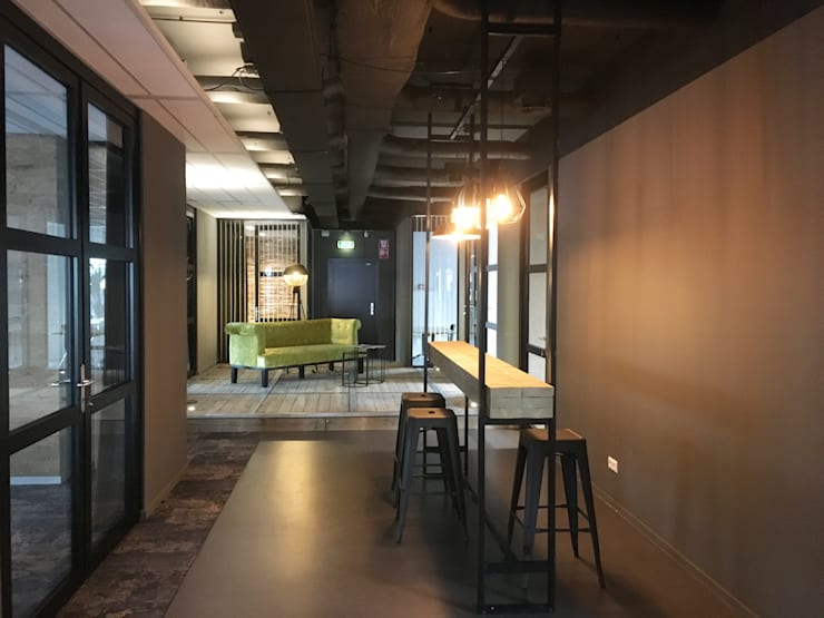 Renovatie Kantoor Amsterdam Zuid:  Kantoor- & winkelruimten door YBB Architecture Amsterdam