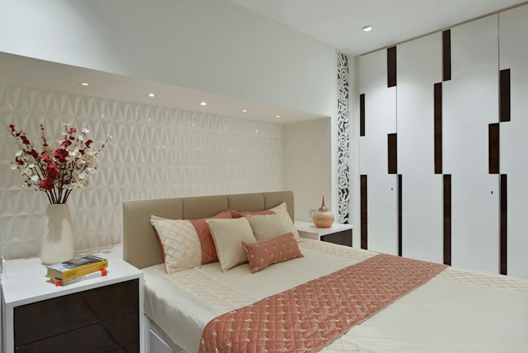 PARENTS BEDROOM:  Bedroom by Ar. Milind Pai,Minimalist